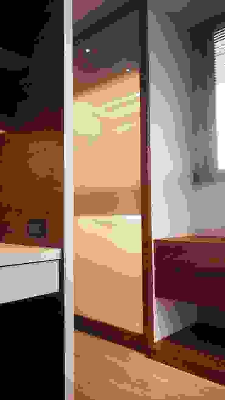 更衣室 根據 見和空間設計 現代風 玻璃