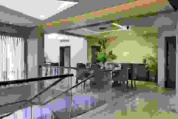 Penthouse Modern corridor, hallway & stairs by Artistic Design Works Modern