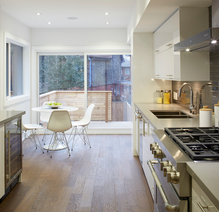 Minimalist kitchen by Contempo Studio Minimalist