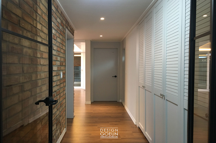 クラシカルスタイルの 玄関&廊下&階段 の 디자인고은 クラシック
