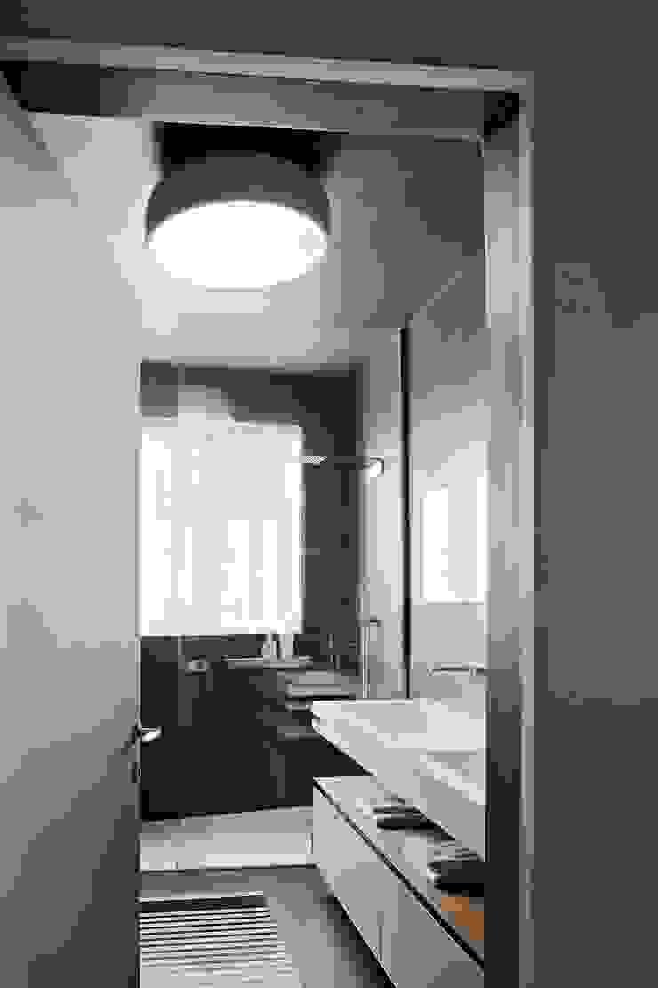 Apartment Citylife Milano Bagno moderno di PAOLO FRELLO & PARTNERS Moderno