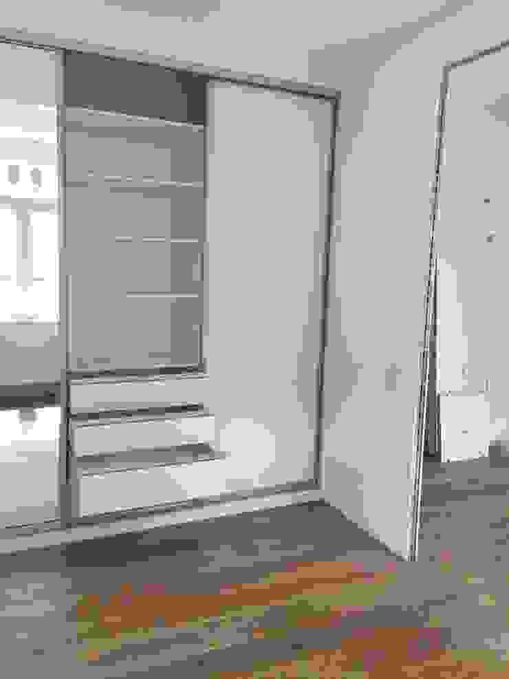 Minimalist bedroom by Schrankprojekt GmbH Minimalist
