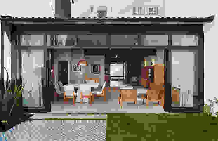 فناء أمامي تنفيذ ODVO Arquitetura e Urbanismo