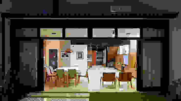 Salas modernas de ODVO Arquitetura e Urbanismo Moderno