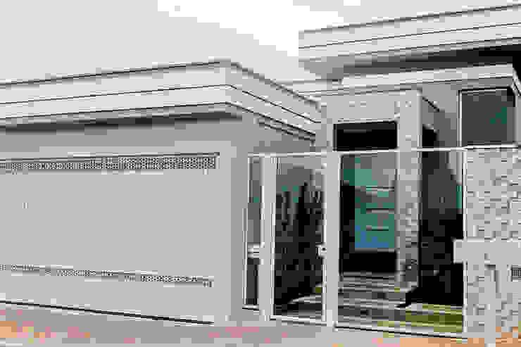 Projeto Arquitetônico Residencial Casas modernas por Carla Monteiro Arquitetura e Interiores Moderno Pedra