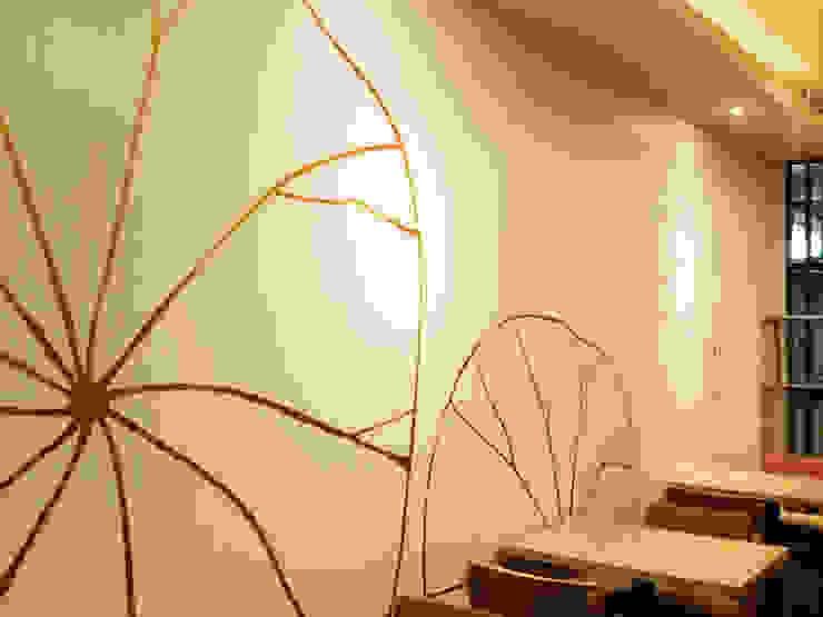 금색 아크릴 물감벽화 모던스타일 미디어 룸 by 디자인모리 모던