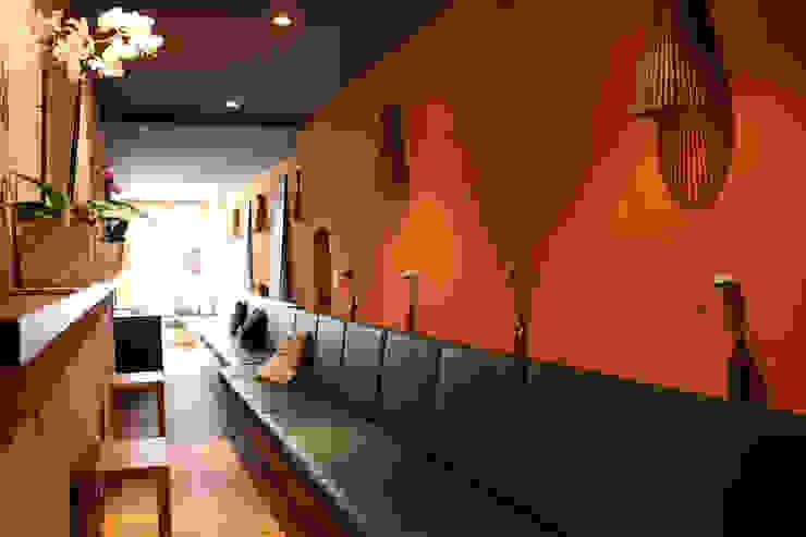 Café Inneneinrichtung Moderne Bars & Clubs von Wagner Möbel Manufaktur Modern