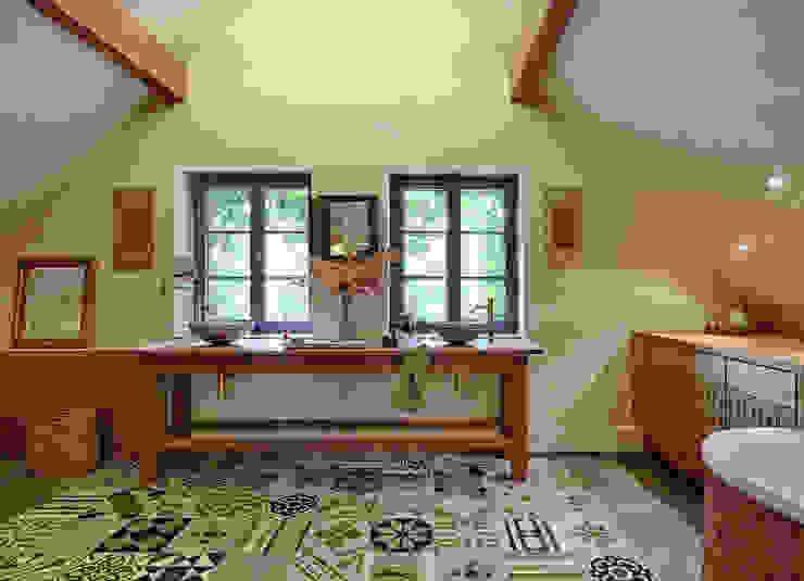 dipl.-ing. anne-doris fluck innenarchitektin aknw Mediterranean style bathrooms Tiles Beige