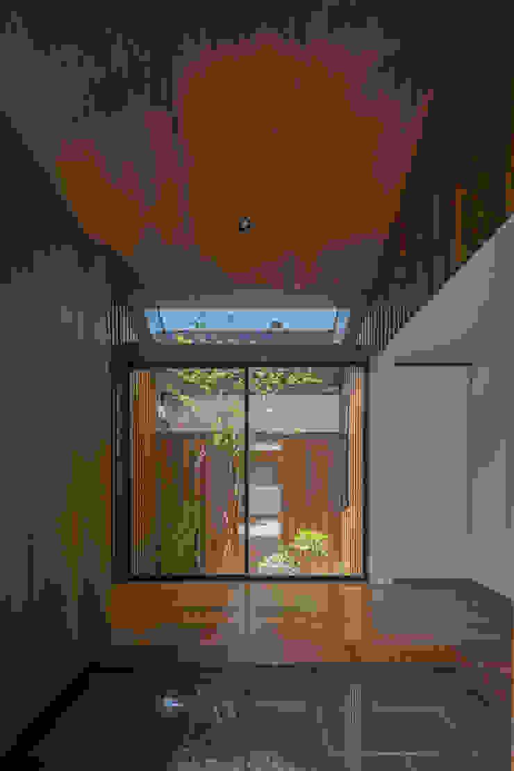 玄関 武藤圭太郎建築設計事務所 モダンスタイルの 玄関&廊下&階段