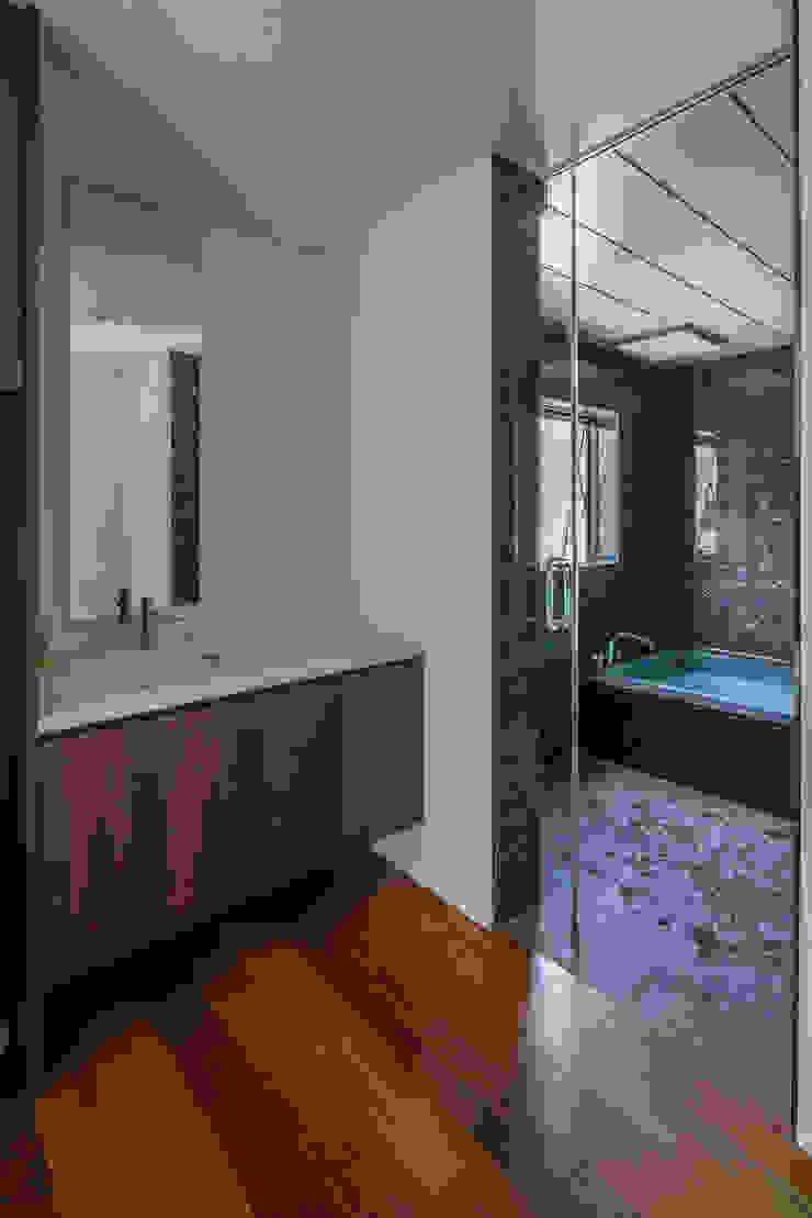 バスルーム 武藤圭太郎建築設計事務所 モダンスタイルの お風呂