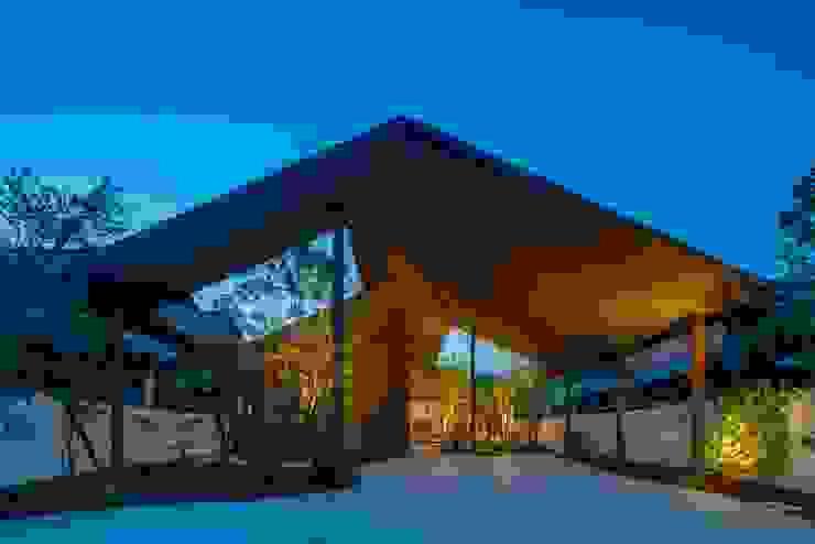 Casas modernas de 武藤圭太郎建築設計事務所 Moderno