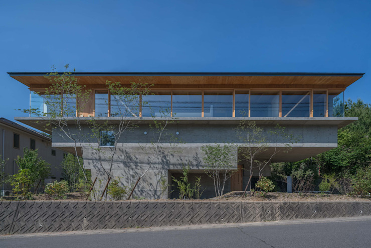 Casas modernas de 武藤圭太郎建築設計事務所 Moderno Concreto