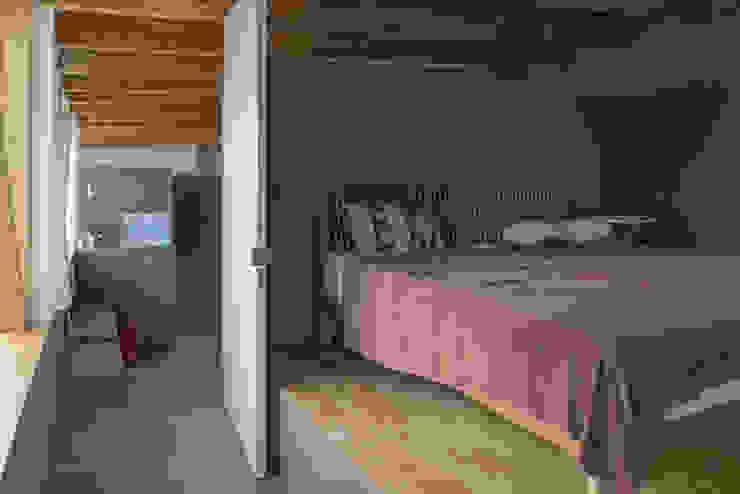 主寝室 モダンスタイルの寝室 の 武藤圭太郎建築設計事務所 モダン