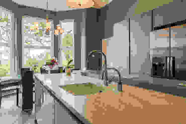 Kitchen by John Gauld Photography,