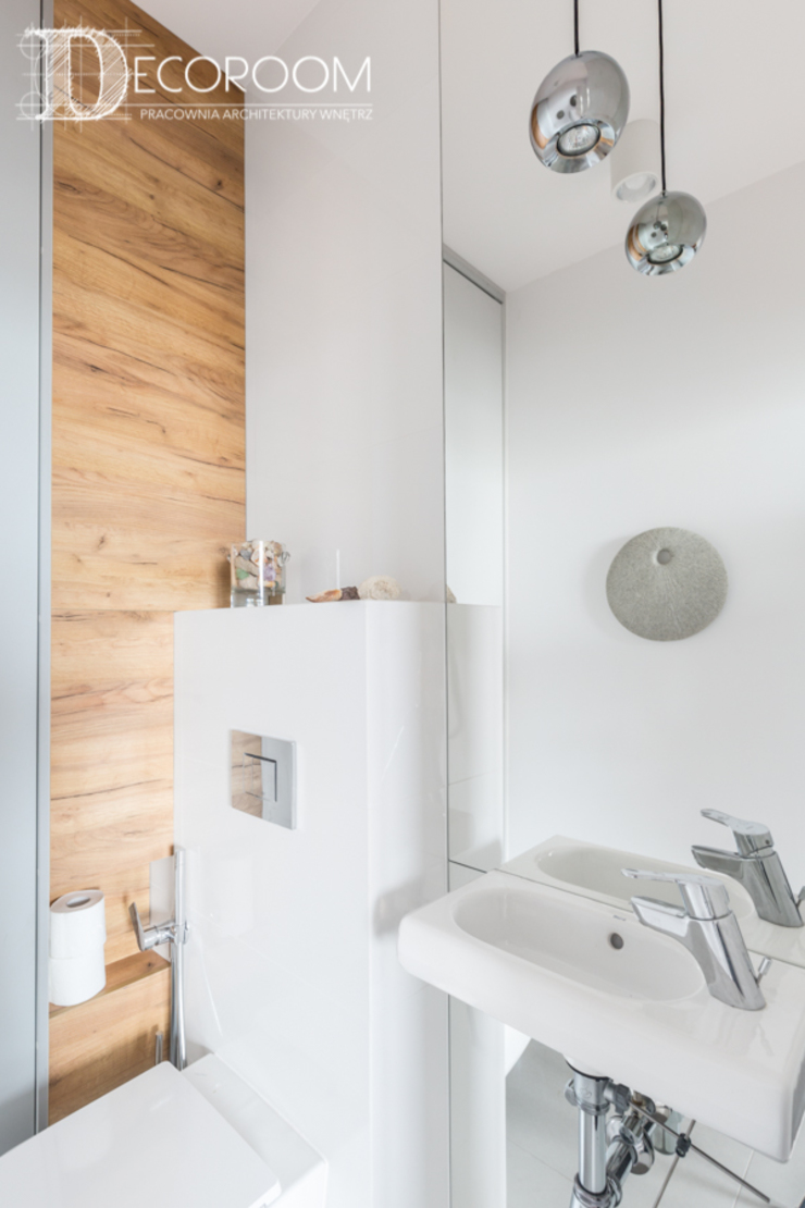 Baños de estilo moderno de Decoroom Moderno