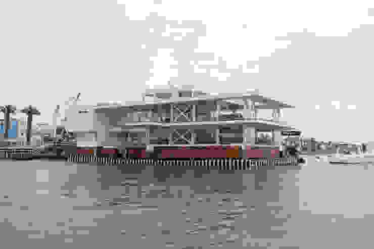 Vista del proyecto / Project view de Lores STUDIO. arquitectos Moderno Hierro/Acero