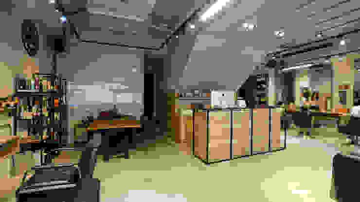吧檯與餐飲區 根據 見和空間設計 工業風 塑木複合材料