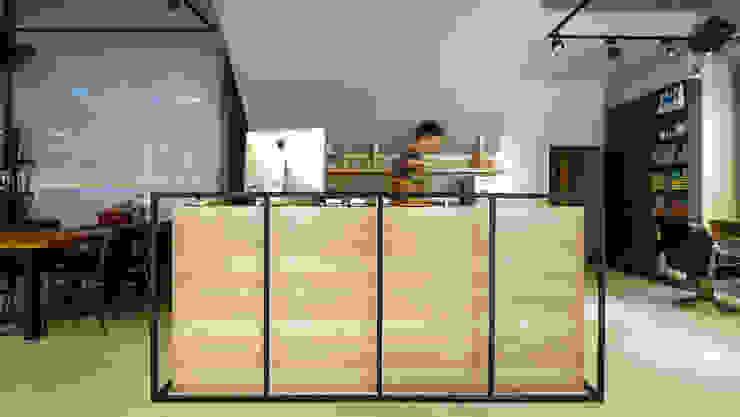 吧台 根據 見和空間設計 工業風 木頭 Wood effect