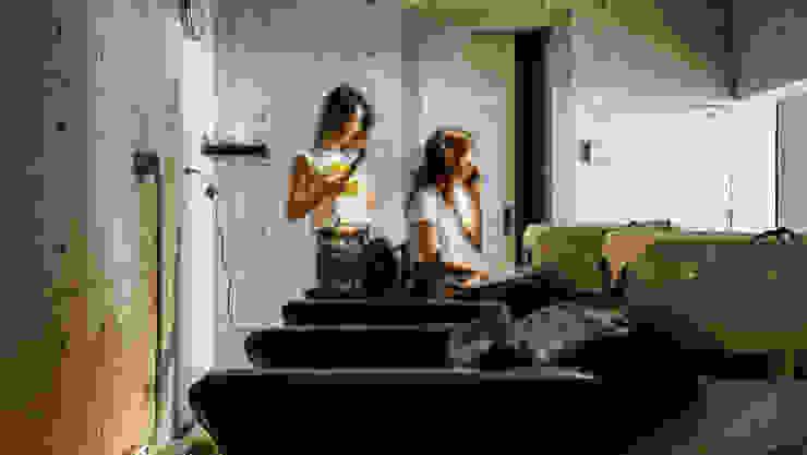 洗髮區 根據 見和空間設計 工業風 強化水泥