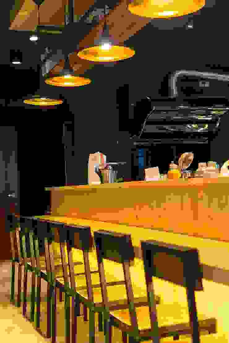 古早日式設計氛圍_新莊茶飲 根據 春瑾室內裝修有限公司 日式風、東方風