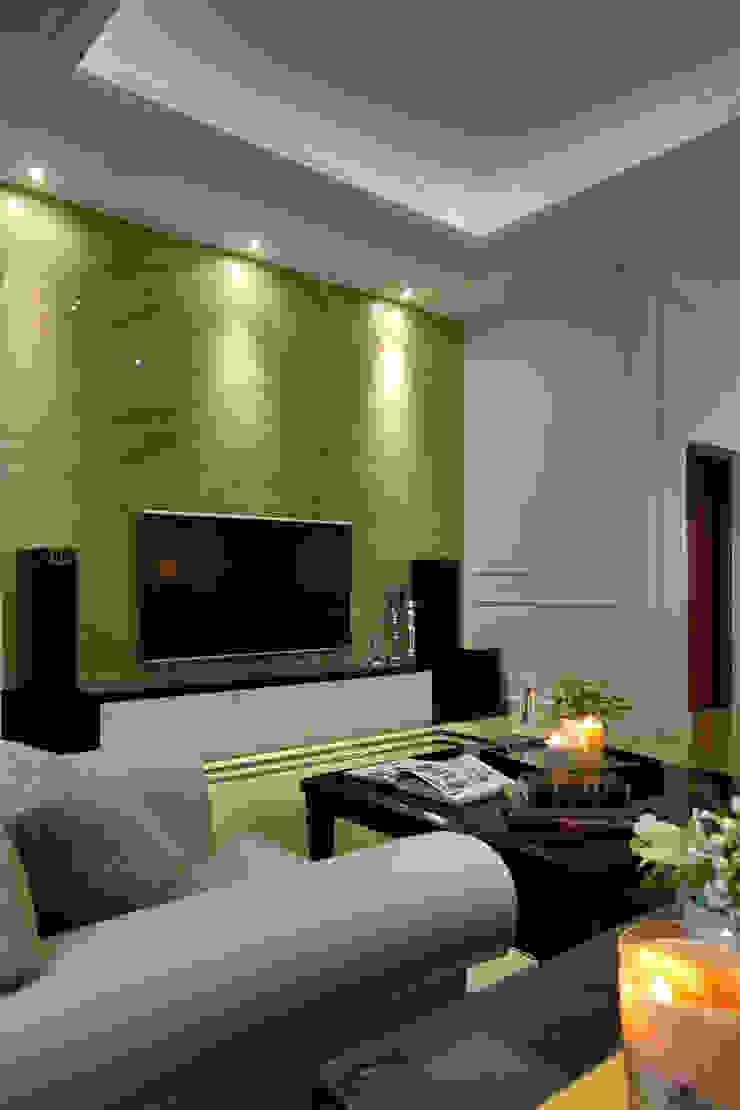 日興御園_朱公館 现代客厅設計點子、靈感 & 圖片 根據 澤序空間設計有限公司 現代風