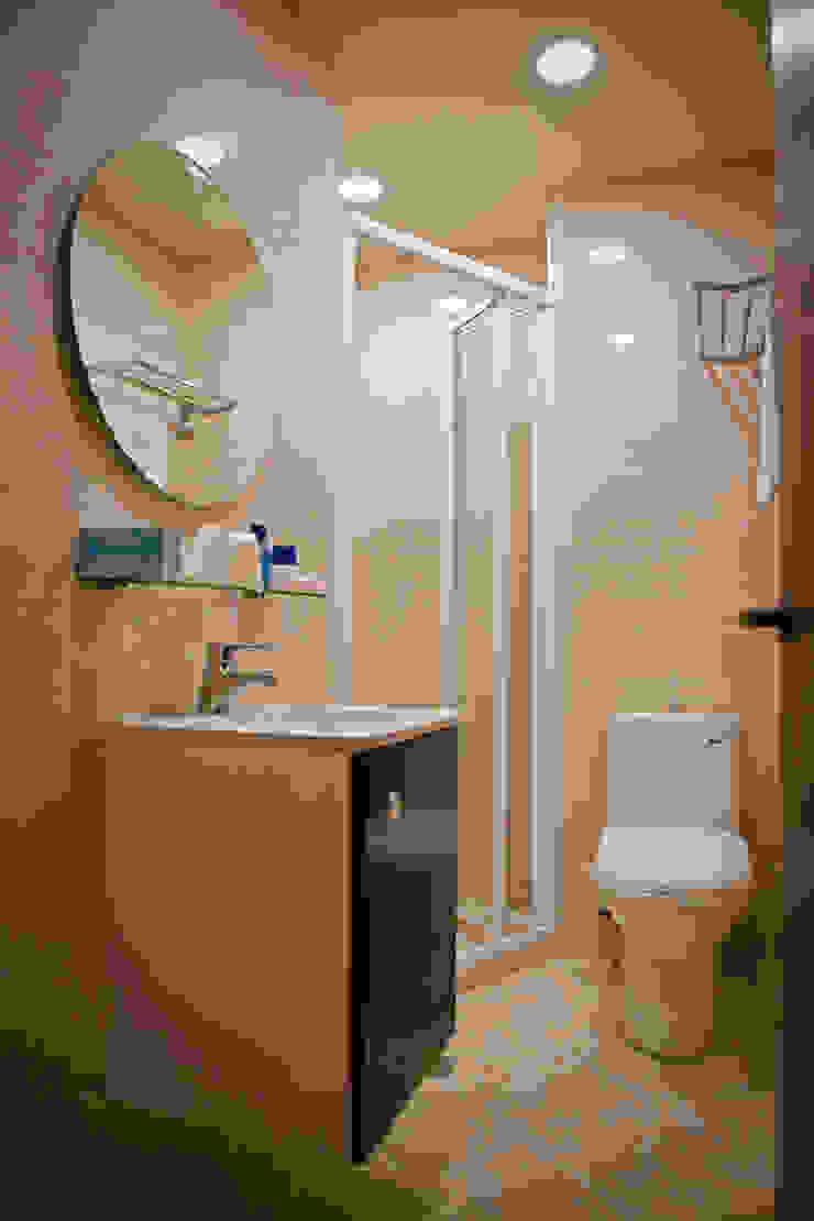 台北 老屋翻修 現代浴室設計點子、靈感&圖片 根據 耘州室內裝修有限公司 現代風