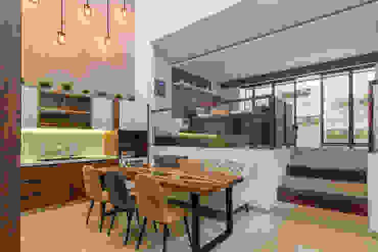 Budisari Residence Ruang Makan Tropis Oleh ARCHID Tropis