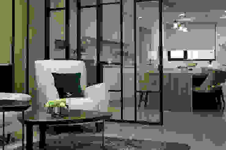 Salones de estilo moderno de 澤序空間設計有限公司 Moderno