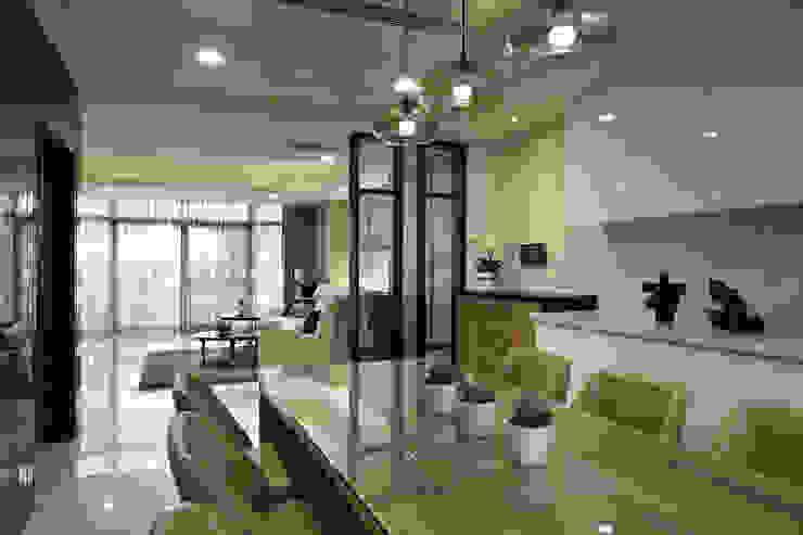 Modern Kitchen by 澤序空間設計有限公司 Modern