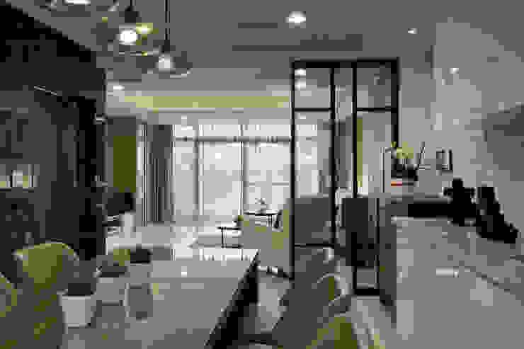 帝雍_陳公館 現代廚房設計點子、靈感&圖片 根據 澤序空間設計有限公司 現代風
