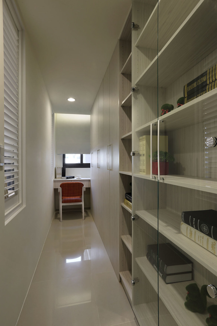 Modern Study Room and Home Office by 澤序空間設計有限公司 Modern