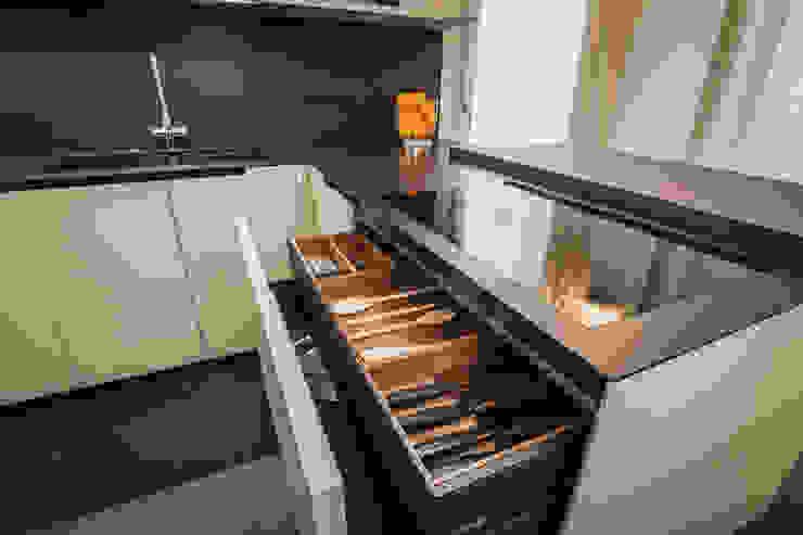 arredo cucina Cucina minimalista di ADIdesign* studio Minimalista