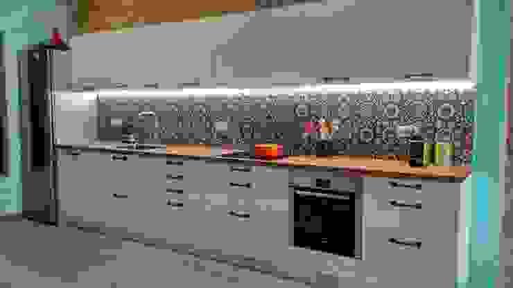femcuines Built-in kitchens