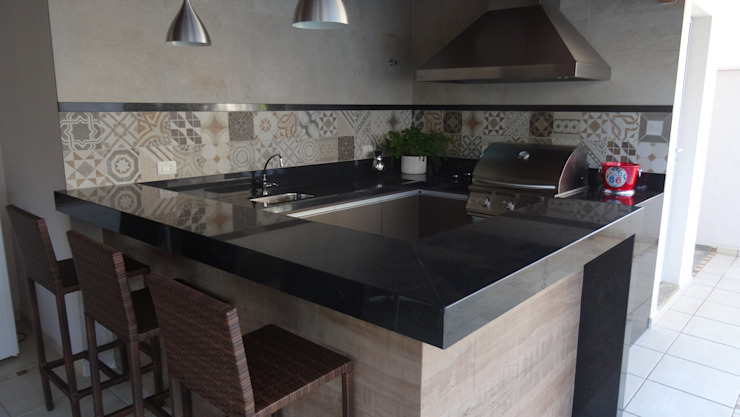 Ambiento Arquitetura Kitchen units Tiles Beige