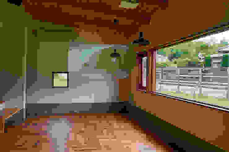 House in Torami ラスティックデザインの ダイニング の tai_tai STUDIO ラスティック
