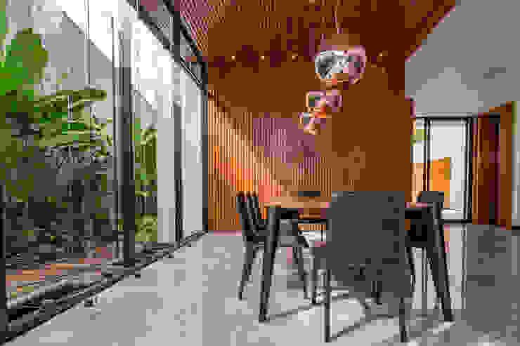 Casa Granada Estúdio HAA! Salas de jantar modernas
