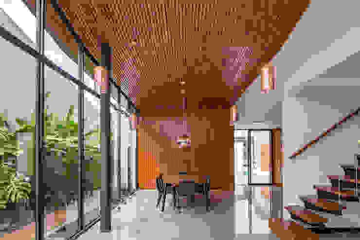 Casa Granada Estúdio HAA! Salas de jantar tropicais