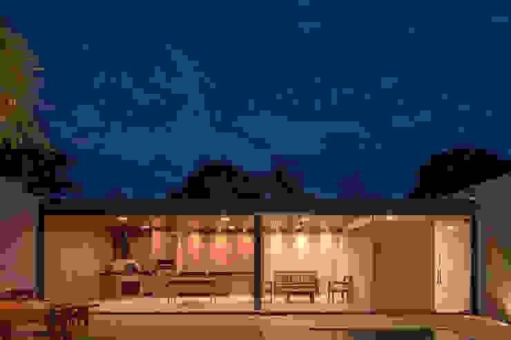 Casa Granada Estúdio HAA! Garagens pré-fabricadas