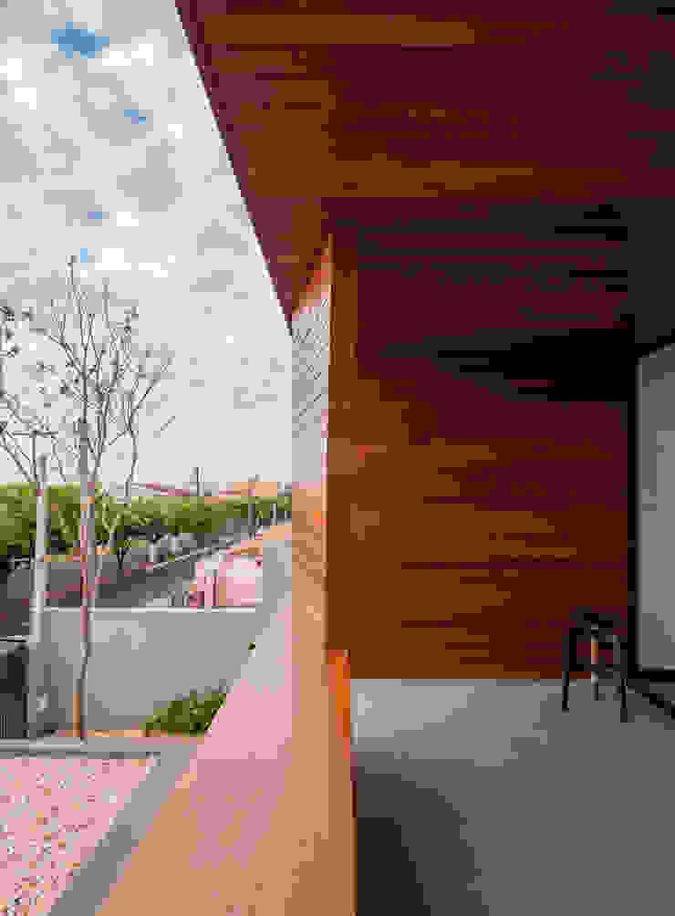 Casa Granada Estúdio HAA! Varandas, alpendres e terraços modernos