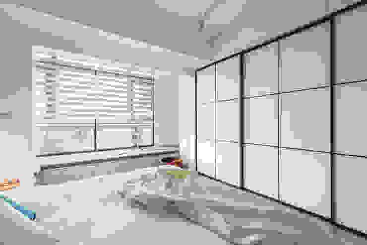 Bedroom by 寓子設計,