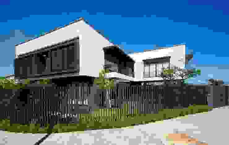 Villa oleh Công ty trách nhiệm hữu hạn ANP, Modern
