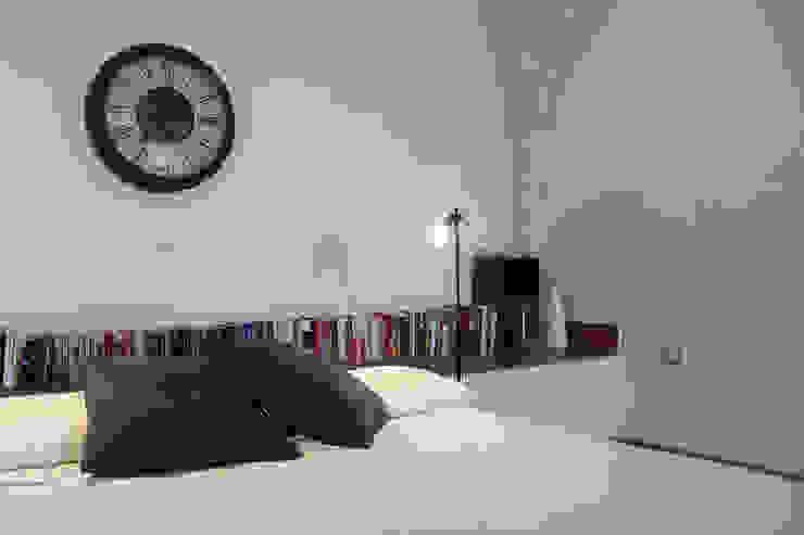 Open Space Architetto Luigia Pace Camera da letto moderna Laterizio Bianco
