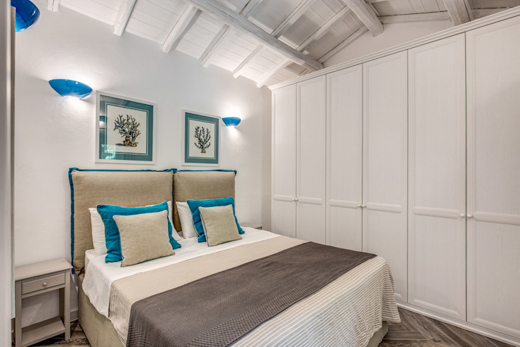 Classic style bedroom by Studio Guerra Sas Classic