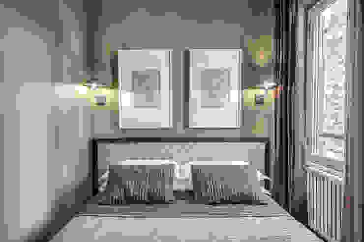 Phòng ngủ phong cách hiện đại bởi Studio Guerra Sas Hiện đại