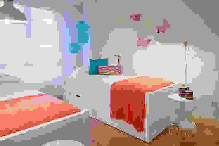 غرفة نوم بنات تنفيذ Estibaliz Martín Interiorismo, حداثي خشب Wood effect