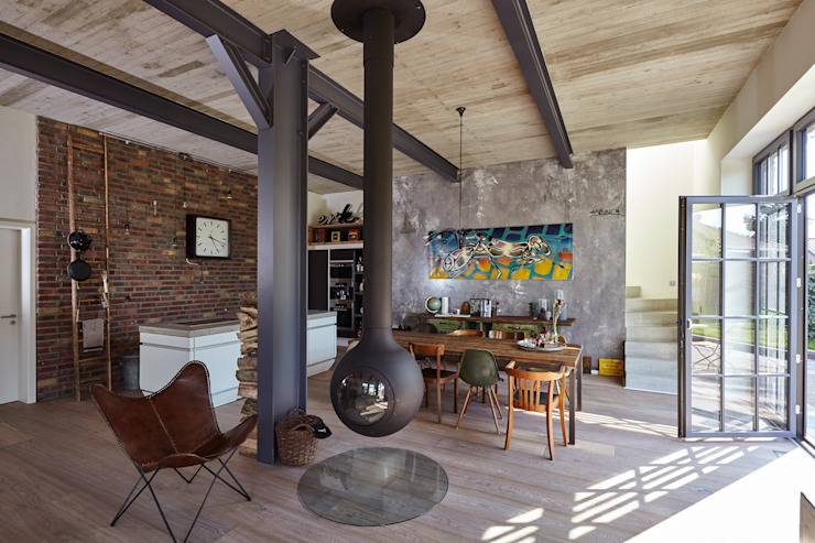Industrial style living room by Lioba Schneider Industrial