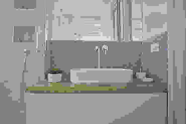 ARCHISPRITZ Modern style bathrooms