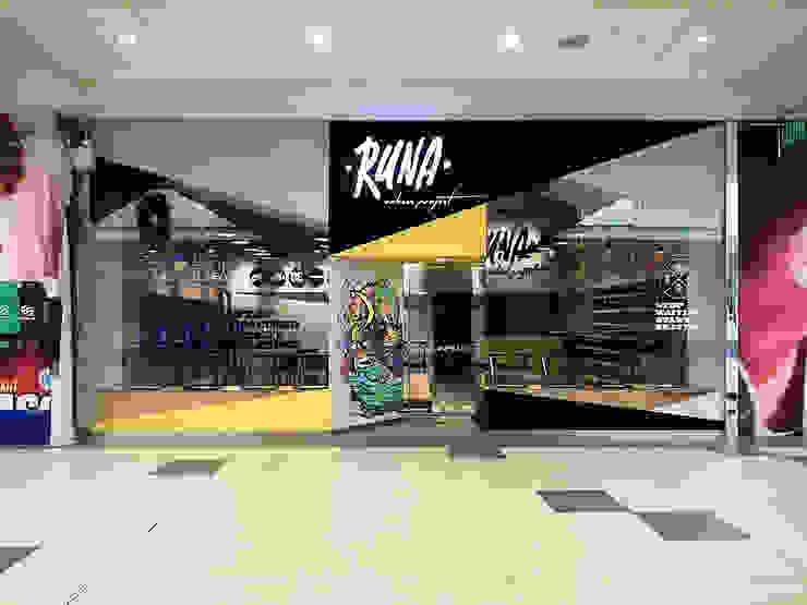 Fachada tienda RUNA de SXL ARQUITECTOS Industrial Compuestos de madera y plástico