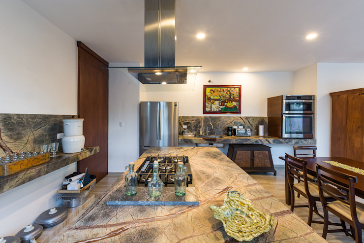廚房 by Cetina y Ancona Arquitectos, 地中海風