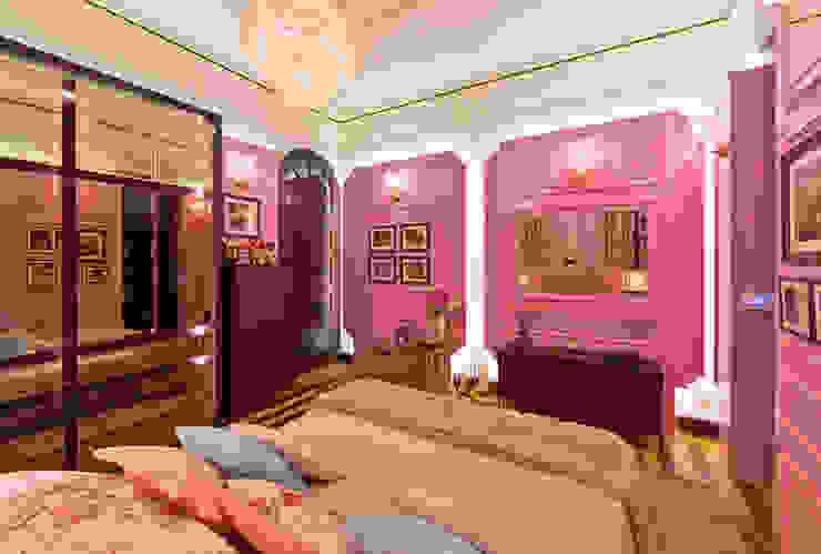 Suite Lovers: quarto e banheiro do casal Quartos clássicos por studio d'design by' laura gransotto Clássico Madeira Efeito de madeira